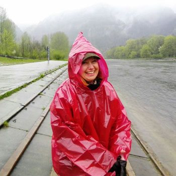 Working as a tour leader The Dunajec river rafting